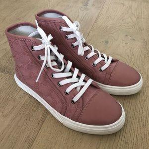 9b6f109e Women Gucci Pink Sneakers on Poshmark
